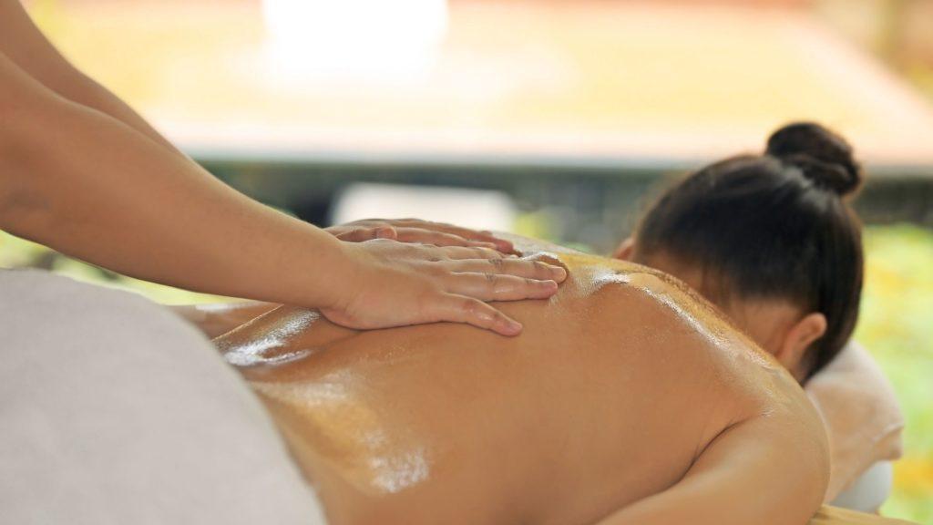 Zertifizierte Abhyanga Massage Ausbildung bei der Master Wellness Akademie
