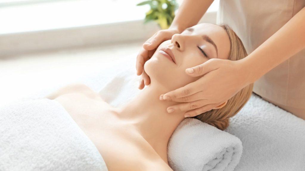 Zertifizierte Gesichts- und Kopfmassage Ausbildung bei der Master Wellness Akademie
