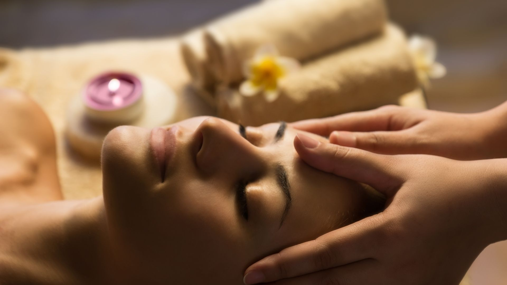 Mukabhyanga Massage Ausbildung Ayurveda bei der Master Wellness Akademie