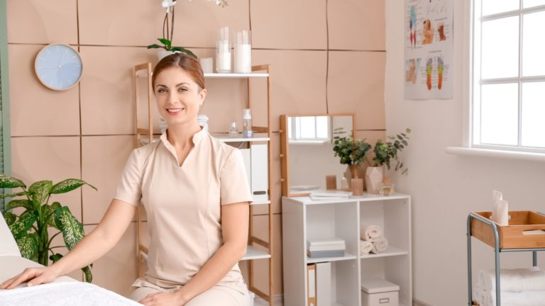 Zertifizierte Massage Ausbildung bei der Master Wellness Akademie