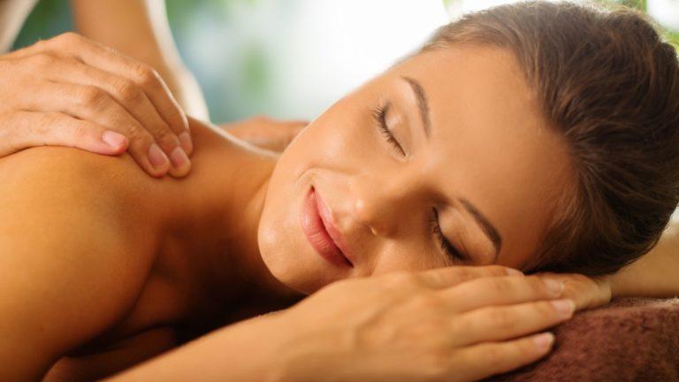 Zertifizierte Rücken und Nacken Massage Ausbildung bei der Master Wellness Akademie